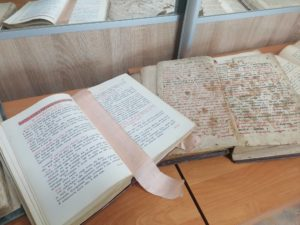 В воскресной школе Казанского мужского монастыря состоялся урок-выставка о богослужебных книг.